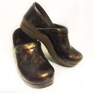 Dansko Patent  Copper Leaf Clogs